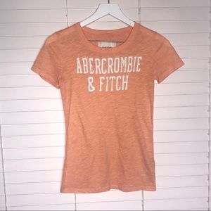 Abercrombie & Fitch T-shirt Lettering